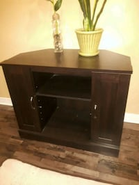 Tv stand Laval, H7G 2W7