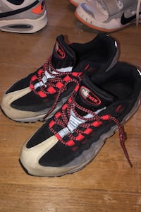 Shoes Men's airmax size 8 black red gray Rahway, 07065