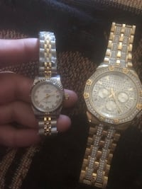 round gold-colored chronograph watch with link bracelet 1659 mi