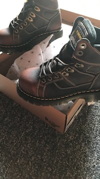 Dr. martens steel toed shoes/boots Green Park, 63123