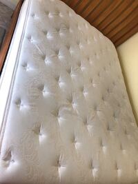 white and gray floral mattress Port Charlotte, 33954