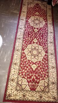 Rug runner  for sale $40 OBO like new in excellent condition size measurements are width 2 ft by 7 ft in length Woodland, 95776