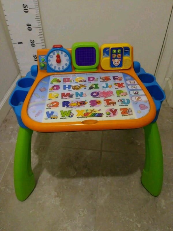 VTech activity desk with accessories ee2253bc-883b-466f-a339-ffac66ae9c76