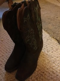 Pair of black leather cowboy boots Athol, 01331