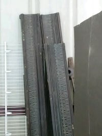 Crown moulding beautiful dark wood 4 pcs Tuscaloosa