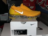 Vapormax Moc 2 University Gold sizes 7.5 and 10 in Woman's Laurel, 20707