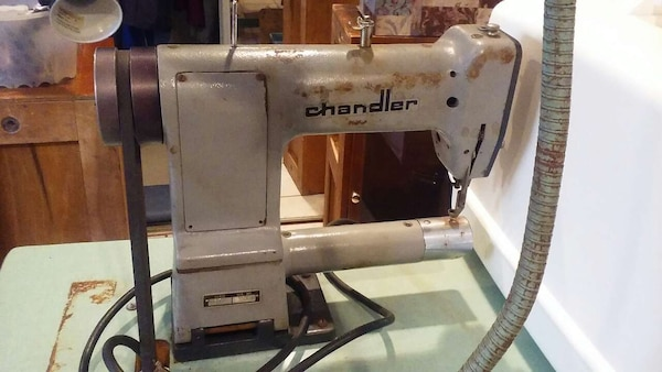 Used Chandler 40 Darning Sewing Machine For Sale In Chicago Letgo Cool Darning Sewing Machine
