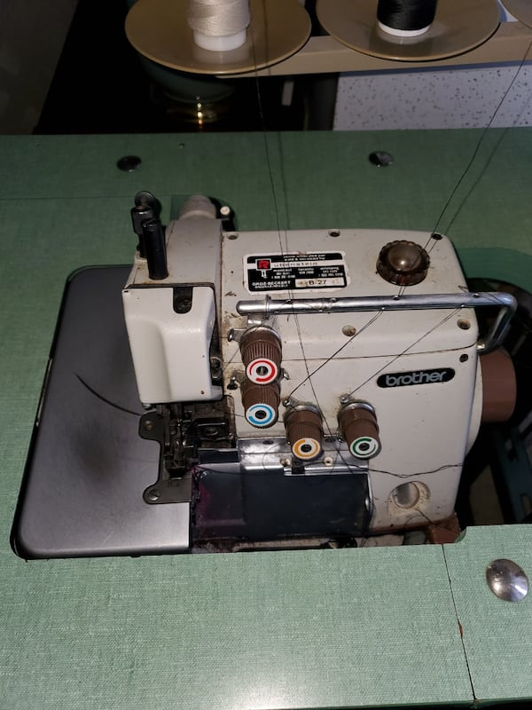 Sewing Machine   1182bb3b-5e5a-4240-b98a-ce554bea5ab6