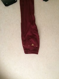 Maroon gissa jeans Stockholm, 129 52