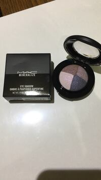 MAC Mineralize eye shadow compact case with box