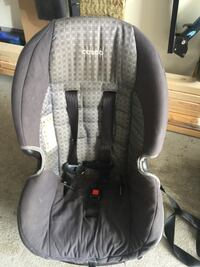 baby's gray and black car seat