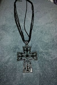 Very pretty Blk Beaded Cross Necklace Amarillo, 79103