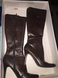Pair of brown leather zip-side leather knee-high boots Las Vegas, 89183