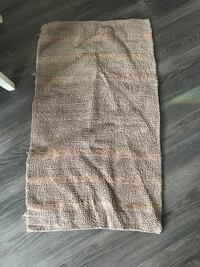 2 gently used bath mats  Whitby, L1P 1G8