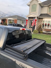Tonno Pro pickup bed cover.. slightly used. Currently on Ford F150 double cab 204 mi