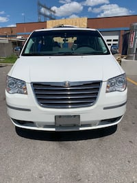 Chrysler - Town and Country - 2008 Caledon
