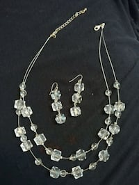 Faux Crystal Necklace & Earrings set Toronto, M3M 1J8