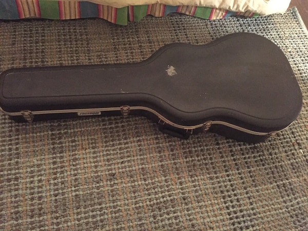 6393e0a0b2 Used Freedom Hardshell Acoustic Guitar Case for sale in Dallas - letgo