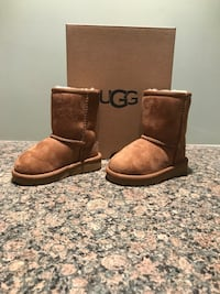 pair of brown UGG sheepskin boots with box Burlington, L7P 1Y7