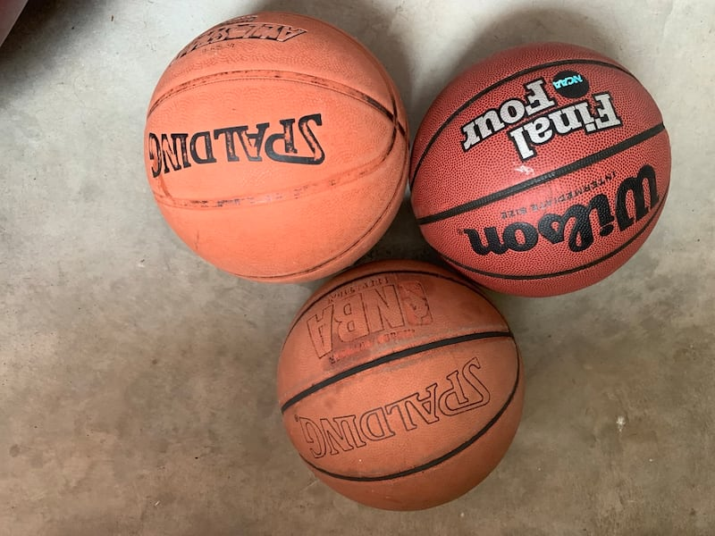 Two basketballs used. 39a45925-c91a-45fe-8d14-3c360cedc64a