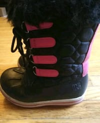 Used youth girls winter boots Markham, L3T 3R4