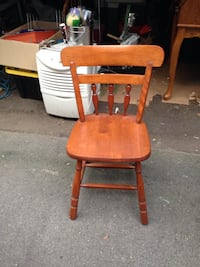 Small solid wood chair Norton, 02766