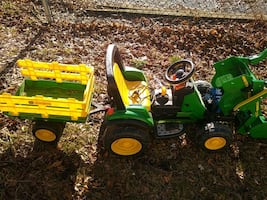 Power wheels tractor