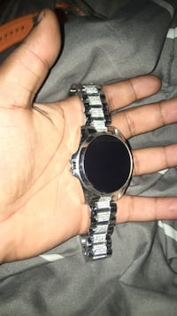 round silver watch with link bracelet Austell, 30168