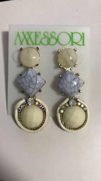pair of gold-colored earrings Miami, 33136