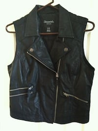 Vest,size large  Roswell, 88203