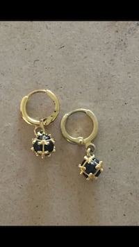Brand new high quality gold plated onyx earrings Sayreville, 08872