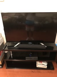 Phillips 6000 series smart tv with tv stand Toronto, M6A 3E7