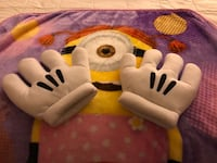 Excellent condition Adult mini mouse gloves   Ballston Lake, 12019