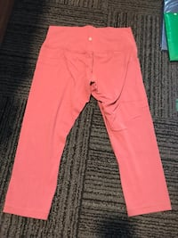 Women's pink lululemon leggings Seattle, 98122