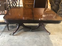 Antique dinning table  Olney, 20832