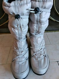 pair of white leather high top sneakers Mississauga, L4T 3L6