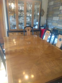 Dining room table and hutch. Will sell separate Methuen, 01844