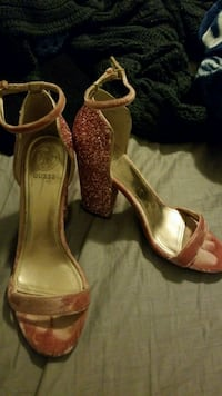Guess pink sparkly block heel size 6.5 Montclair, 91763