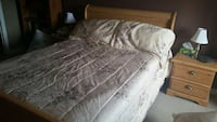 Queen size comforter and shams Barrie, L4M
