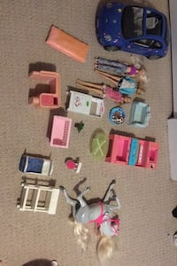 Barbie accessories Surrey, V3S