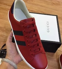 GUCCI ACE SNEAKERS 100% AUTHENTIC/ WITH BOX ???? AND PAPERS  Atlanta
