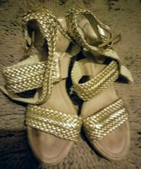 Gold Wedge never worn size 8 Woodbridge, 22193