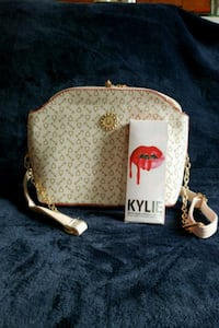 Small bag with free lipstick  Milton, L9T 6Y3