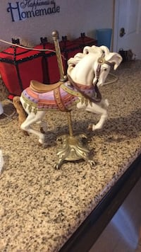 White and brown horse figurine Antioch, 94509