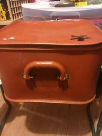 red and brown wooden chest San Angelo, 76903
