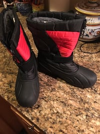 Snow boots Ashburn, 20147