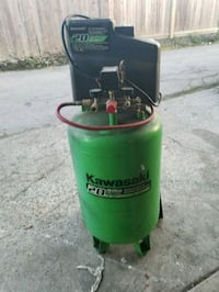 Kawasaki 20 gallon air compressor  3737 km