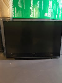 "Samsung TV 55"" it turned on bu no channels It's clean needs to be fixed  Mississauga, L5H 2W6"