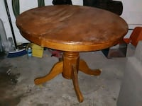 round brown wooden pedestal table Markham, L3S 3C8