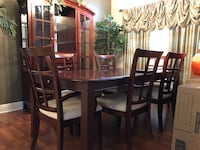 Dining Room Set 8pc Madisonville, 70447
